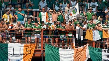 Italia-90-crowd